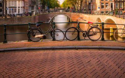 Straatbakstenen de kracht van het Hollands straatbeeld